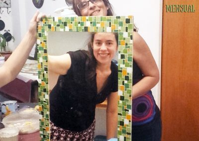 Espejo con marco de venecitas