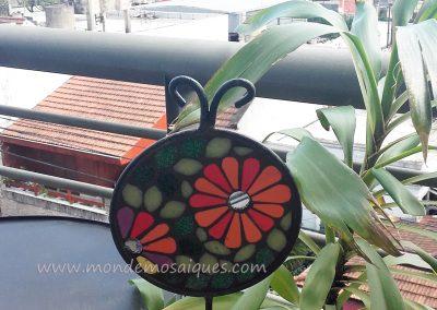Tutor flores chapa y mosaico