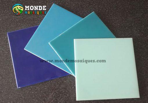 Azulejos azules celeste turquesa