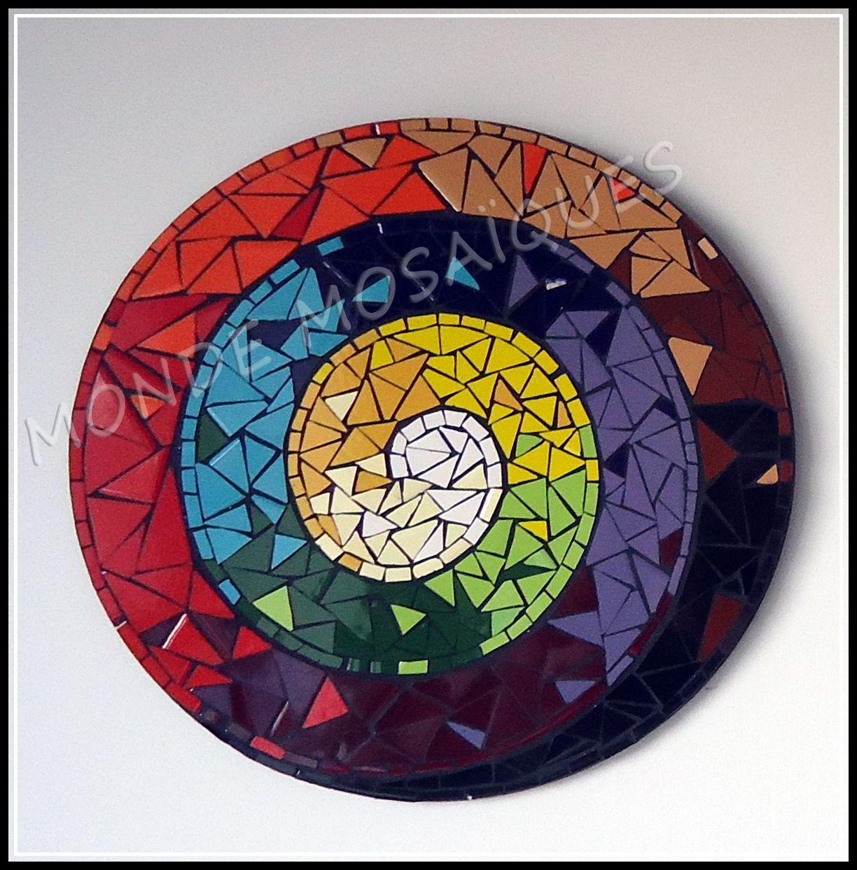 espiral en mosaico uniforme y multicolor