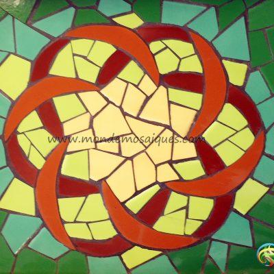 mosaico azulejos mandala trencadís