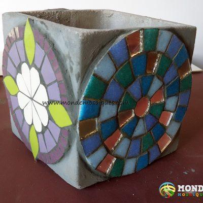 mosaico azulejos venecitas mandala trencadís